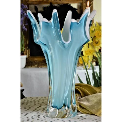 Vaso artigianale, vetro, colore azzurro, altezza 320 mm